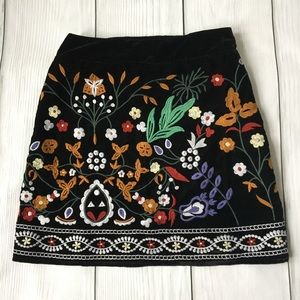 NWT Romeo & Juliet Couture Embroidered Skirt